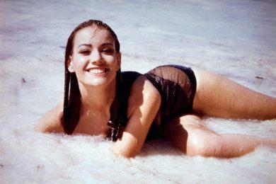 1965-james-bond-claudine-auger
